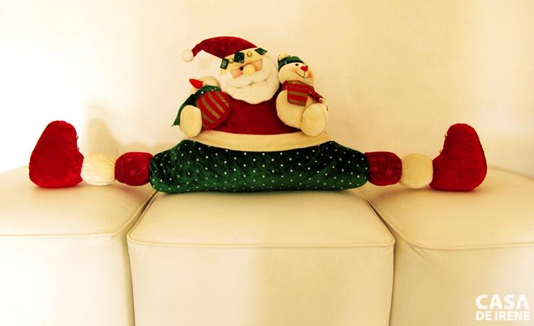 Noel descansando nos pufs