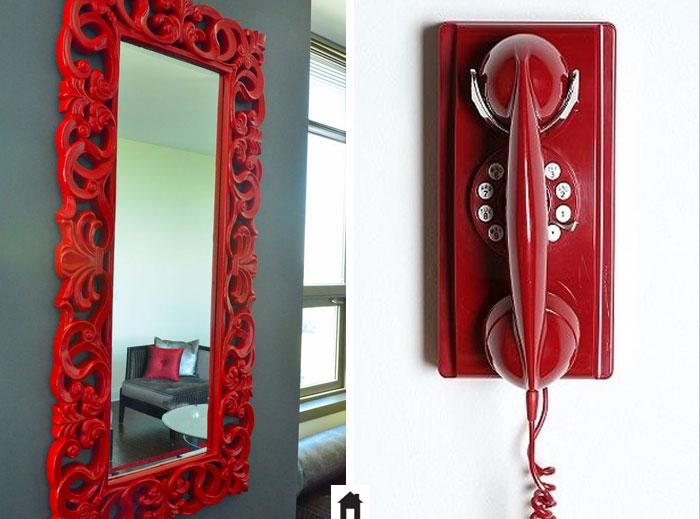 Moldura e telefone vermelhos