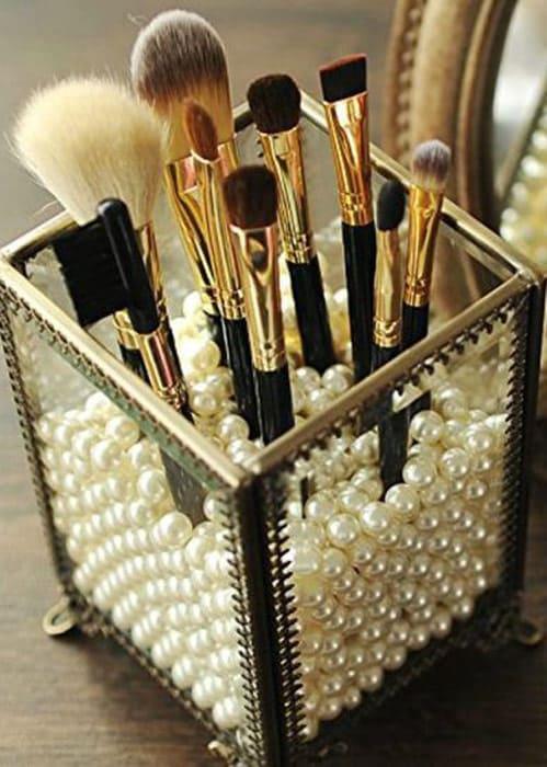 Perle Box mit Make-up Pinsel